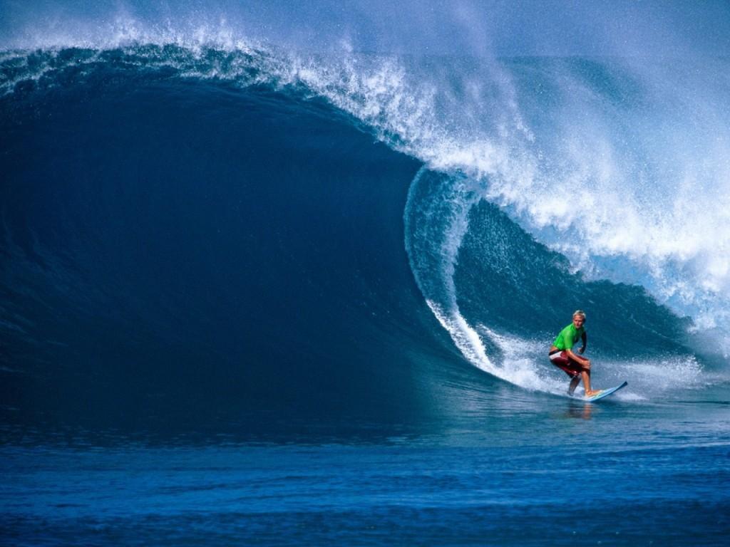 Papel de parede Surf para download gratuito. Use no computador pc, mac, macbook, celular, smartphone, iPhone, onde quiser!