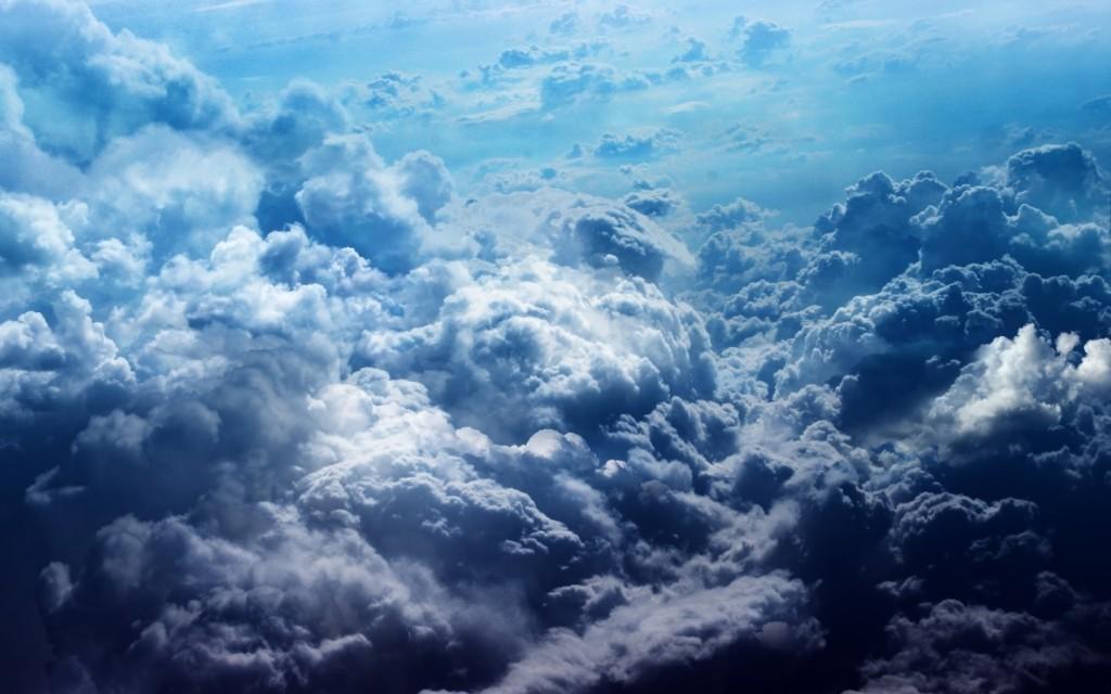 Papel de parede Nuvens Cinzentas para download gratuito. Use no computador pc, mac, macbook, celular, smartphone, iPhone, onde quiser!