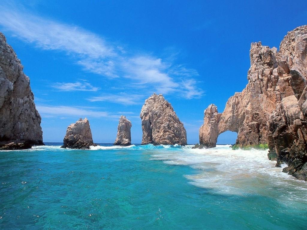 Papel de parede Rochas Na Praia para download gratuito. Use no computador pc, mac, macbook, celular, smartphone, iPhone, onde quiser!