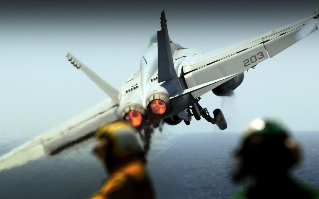 Papel de parede Avião – Militar para download gratuito. Use no computador pc, mac, macbook, celular, smartphone, iPhone, onde quiser!