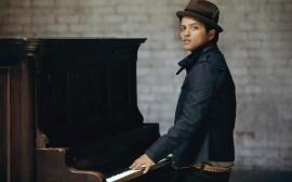 Papel de parede Bruno Mars: No Piano