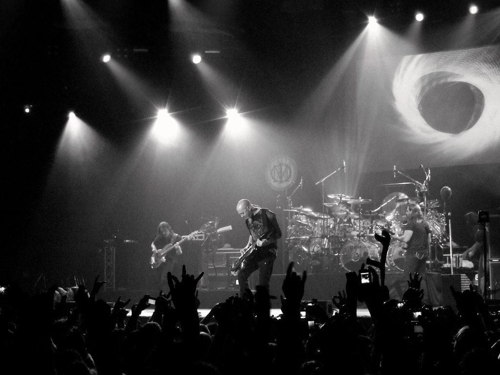 Papel de parede Dream Theater – Ao Vivo para download gratuito. Use no computador pc, mac, macbook, celular, smartphone, iPhone, onde quiser!