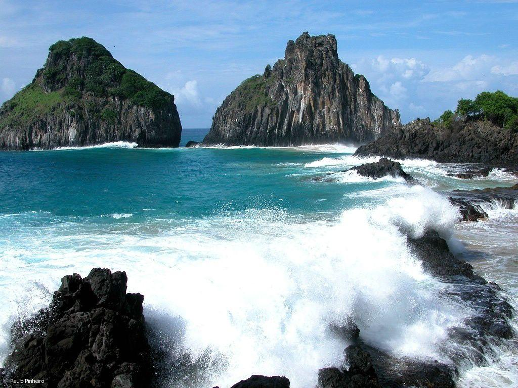 Papel de parede Fernando de Noronha: Ondas para download gratuito. Use no computador pc, mac, macbook, celular, smartphone, iPhone, onde quiser!