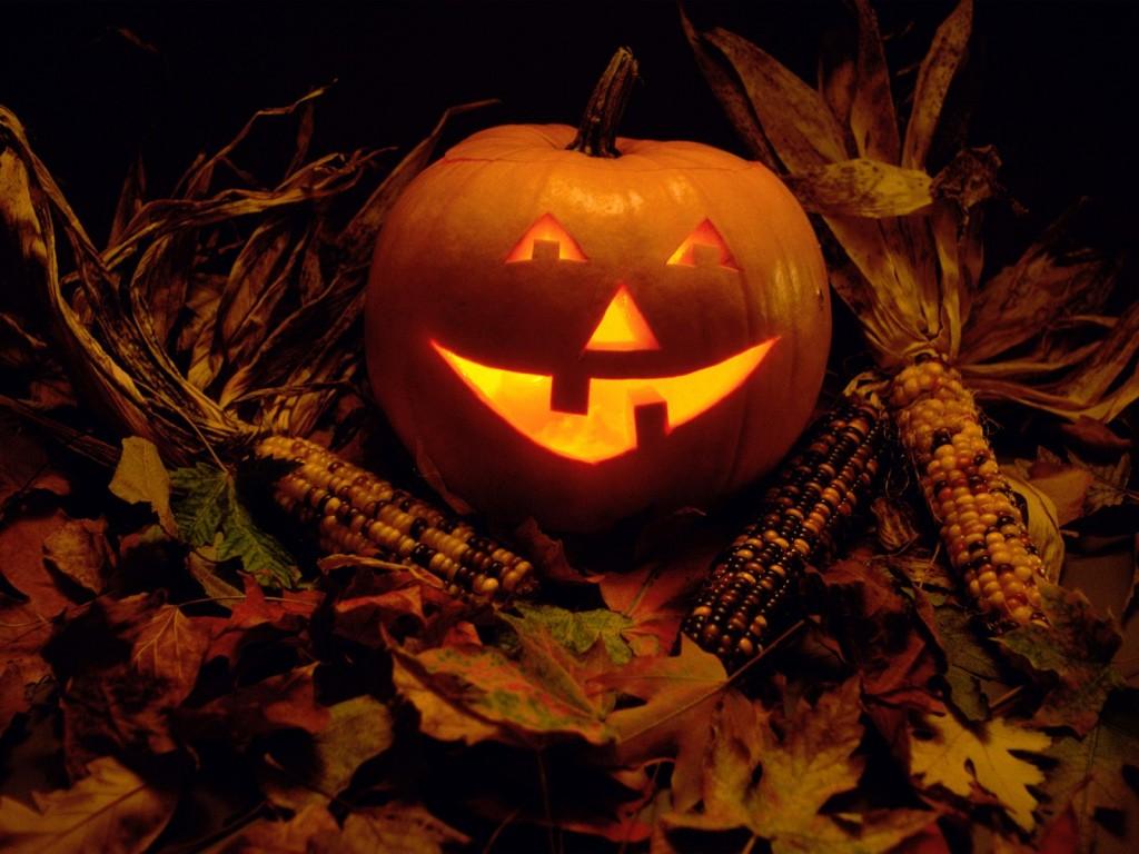 Papel de parede Luminária Sorridente de Halloween para download gratuito. Use no computador pc, mac, macbook, celular, smartphone, iPhone, onde quiser!