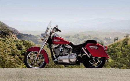 Papel de parede Harley-Davidson Dyna Switchback para download gratuito. Use no computador pc, mac, macbook, celular, smartphone, iPhone, onde quiser!