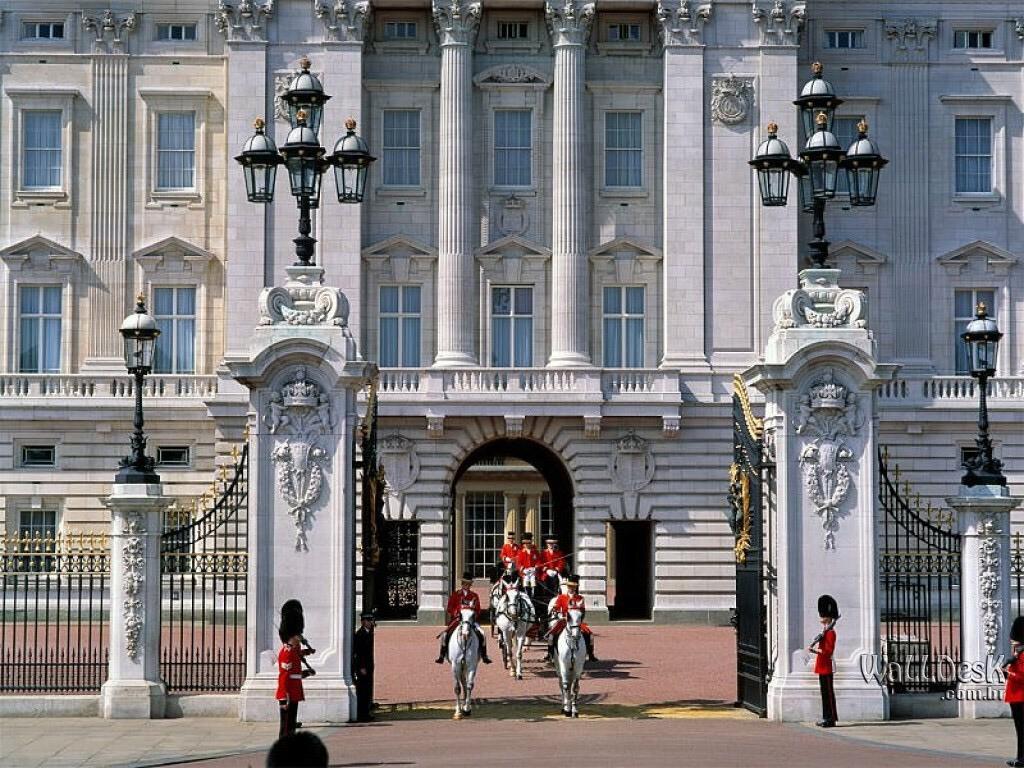 Papel de parede Inglaterra – Palácio de Buckingham para download gratuito. Use no computador pc, mac, macbook, celular, smartphone, iPhone, onde quiser!