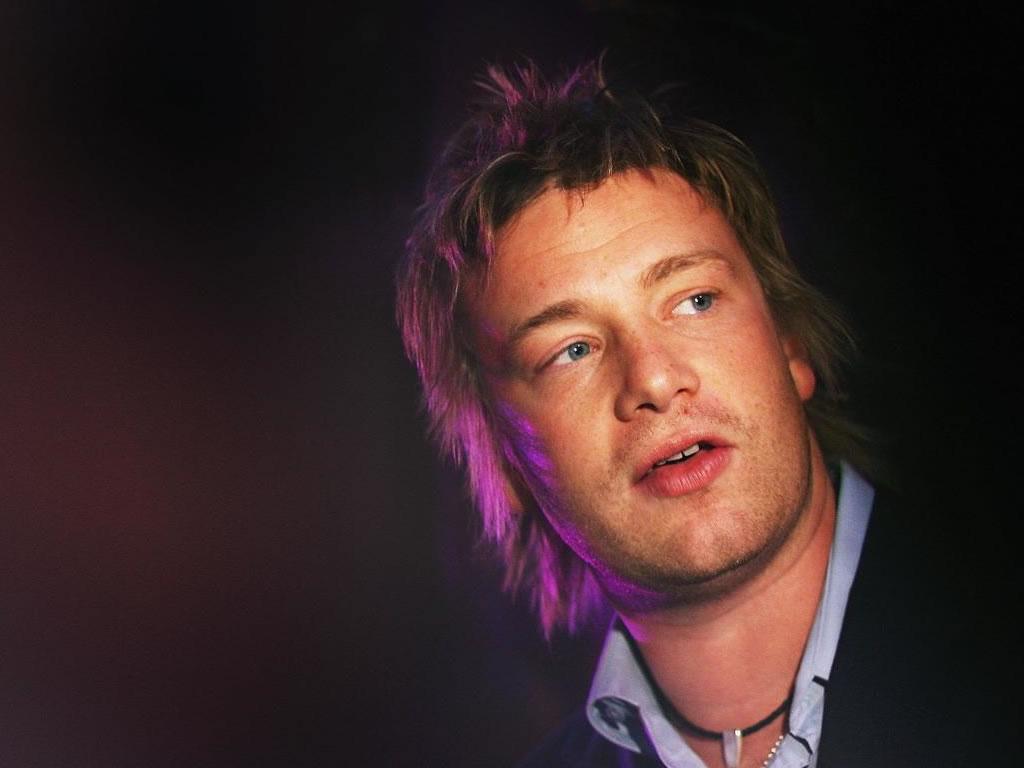 Papel de parede Jamie Oliver – Jovem Cozinheiro para download gratuito. Use no computador pc, mac, macbook, celular, smartphone, iPhone, onde quiser!