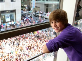 Papel de parede Justin Bieber – Amor às Fãs