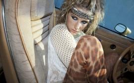 Papel de parede Kesha: No Carro