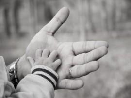 Papel de parede Mão do Pai e do Filho