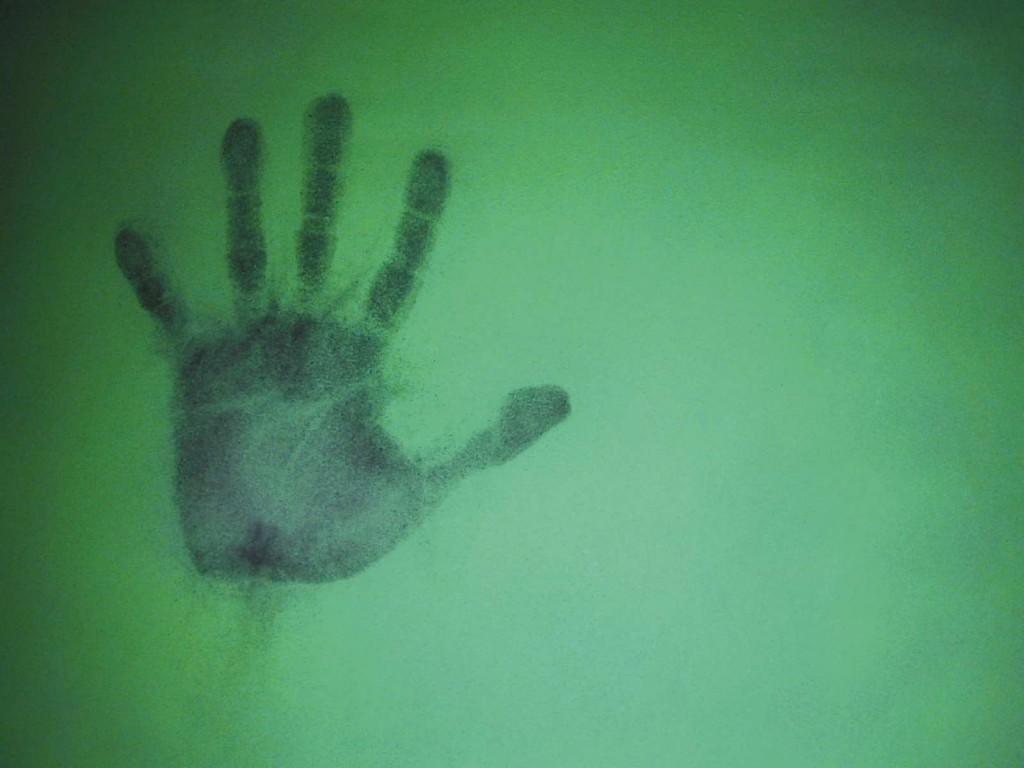 Papel de parede Impressão de Mão na Parede Verde para download gratuito. Use no computador pc, mac, macbook, celular, smartphone, iPhone, onde quiser!