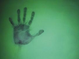 Papel de parede Impressão de Mão na Parede Verde
