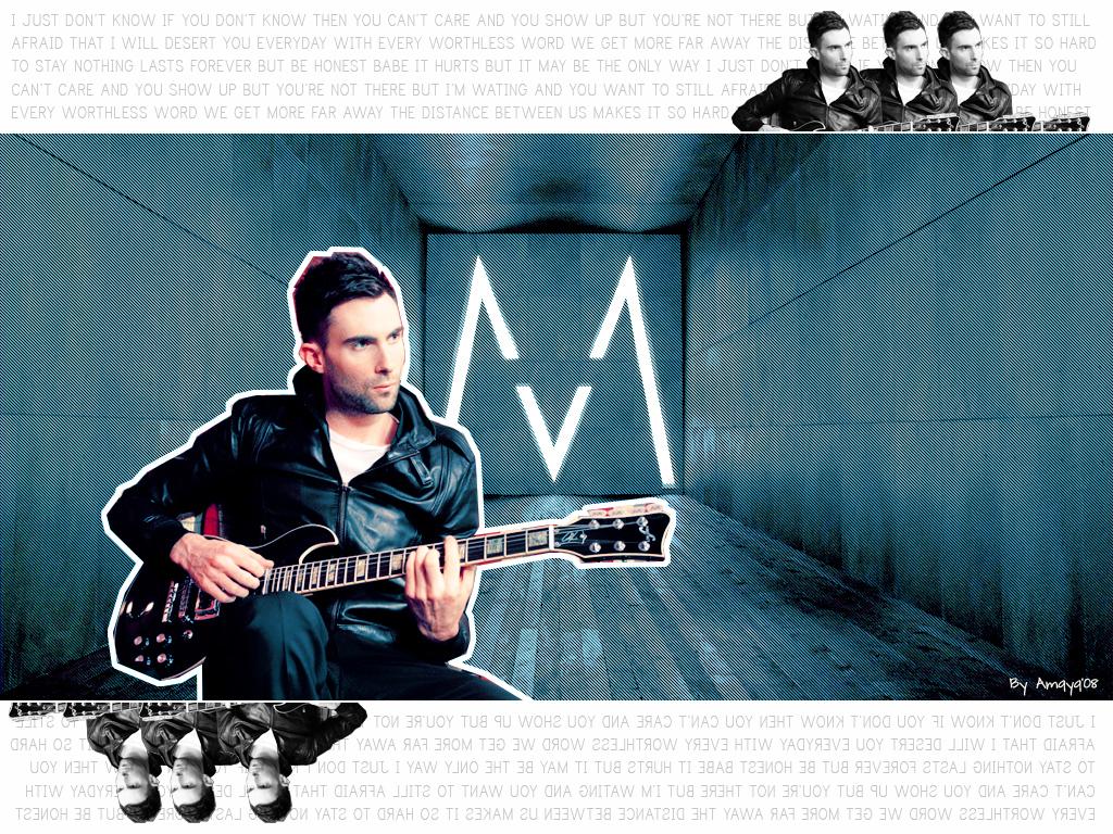 Papel de parede Maroon 5: Adam no Violão para download gratuito. Use no computador pc, mac, macbook, celular, smartphone, iPhone, onde quiser!