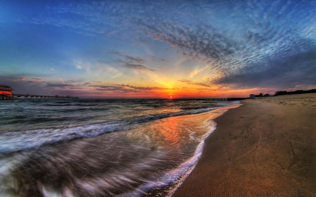 Papel de parede Pôr-do-sol na Praia: Céu Colorido para download gratuito. Use no computador pc, mac, macbook, celular, smartphone, iPhone, onde quiser!