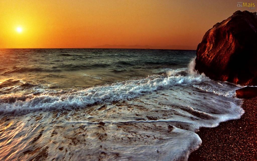 Papel de parede Pôr-do-sol na Praia: Água nas Rochas para download gratuito. Use no computador pc, mac, macbook, celular, smartphone, iPhone, onde quiser!