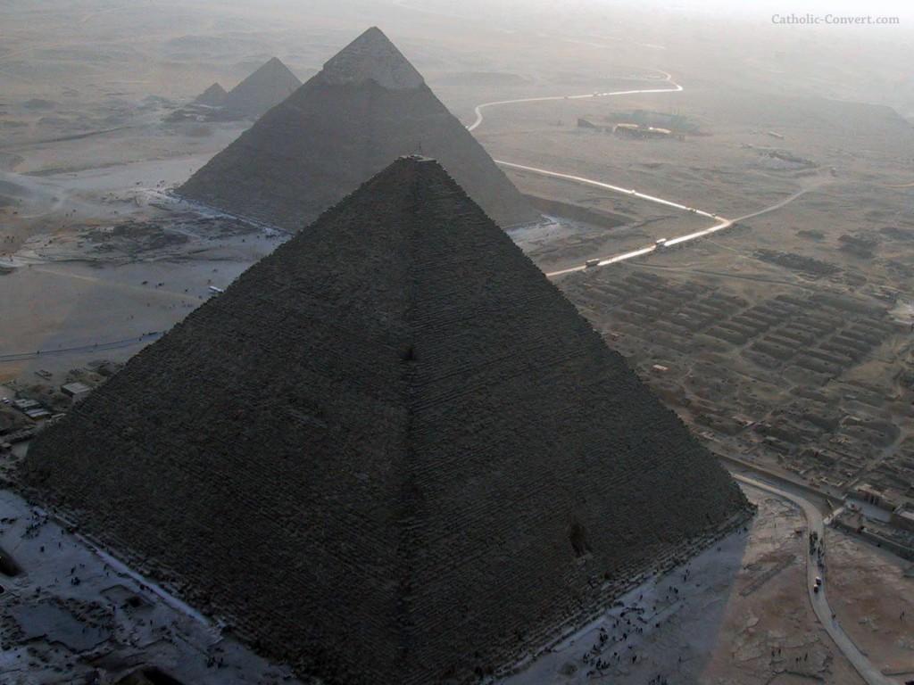 Papel de parede Pirâmides Antigas do Egito para download gratuito. Use no computador pc, mac, macbook, celular, smartphone, iPhone, onde quiser!