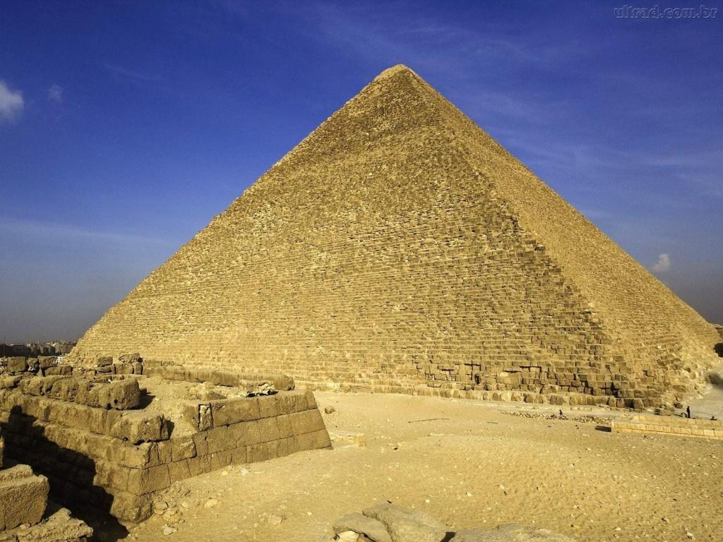 Papel de parede Pirâmide Alta para download gratuito. Use no computador pc, mac, macbook, celular, smartphone, iPhone, onde quiser!