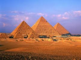 Papel de parede Três Pirâmides