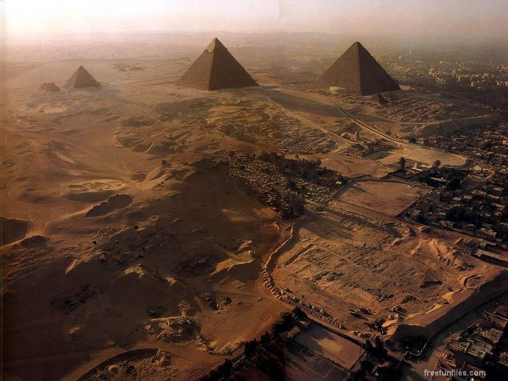 Papel de parede Pirâmides Principais para download gratuito. Use no computador pc, mac, macbook, celular, smartphone, iPhone, onde quiser!