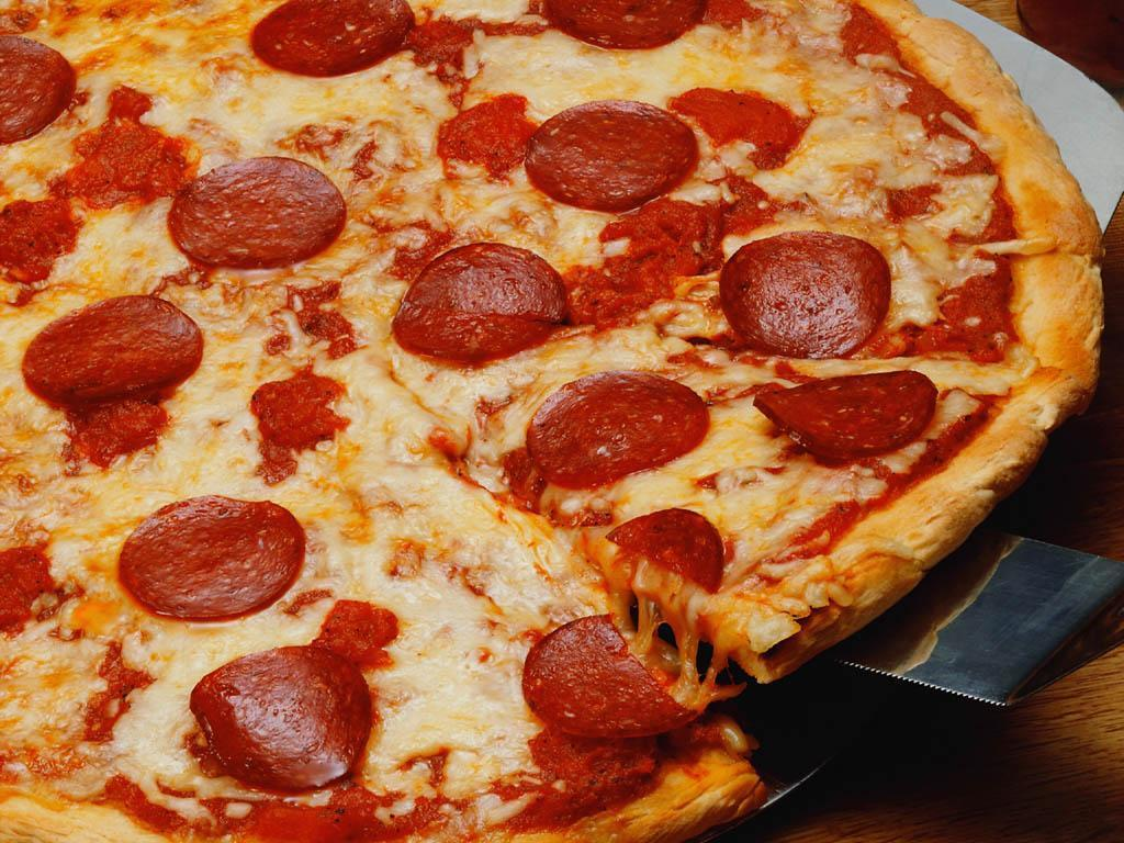 Papel de parede Pizza – Calabresa para download gratuito. Use no computador pc, mac, macbook, celular, smartphone, iPhone, onde quiser!