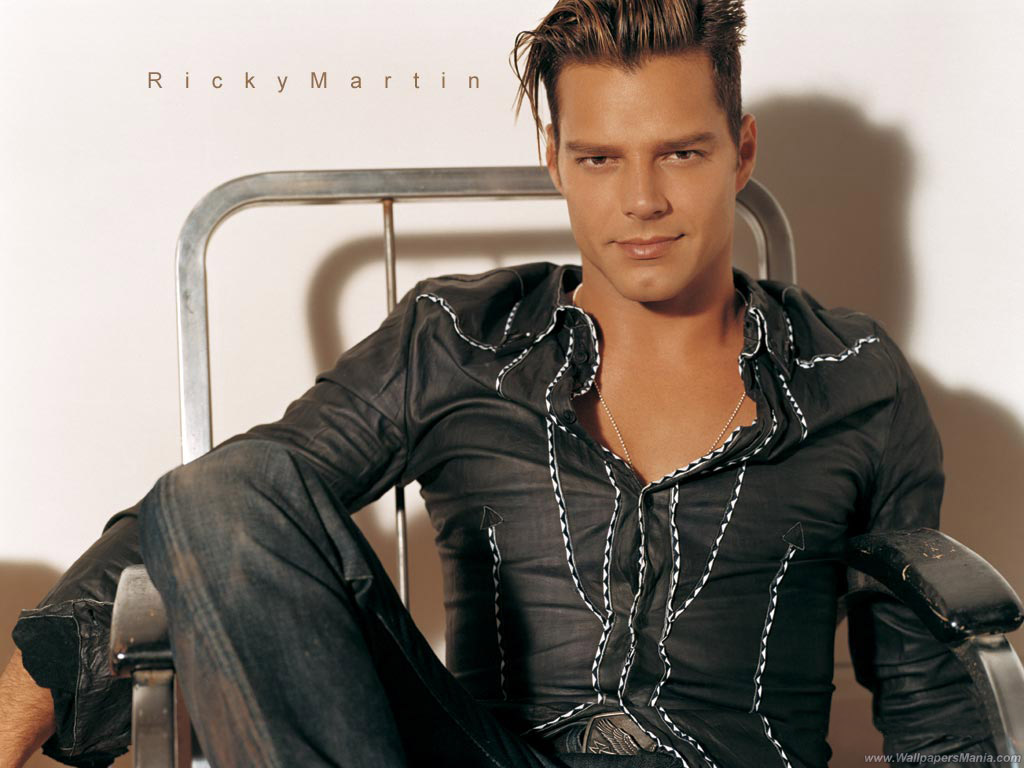 Papel de parede Ricky Martin – Sexy para download gratuito. Use no computador pc, mac, macbook, celular, smartphone, iPhone, onde quiser!