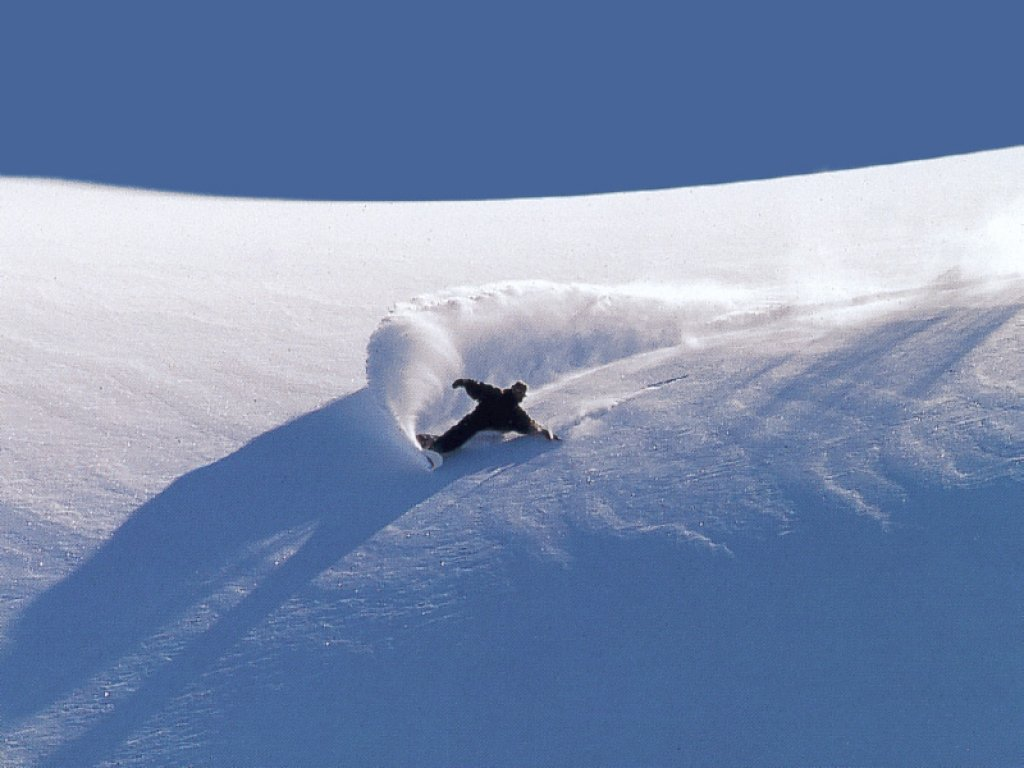 Papel de parede Snowboard – Descida na Neve para download gratuito. Use no computador pc, mac, macbook, celular, smartphone, iPhone, onde quiser!