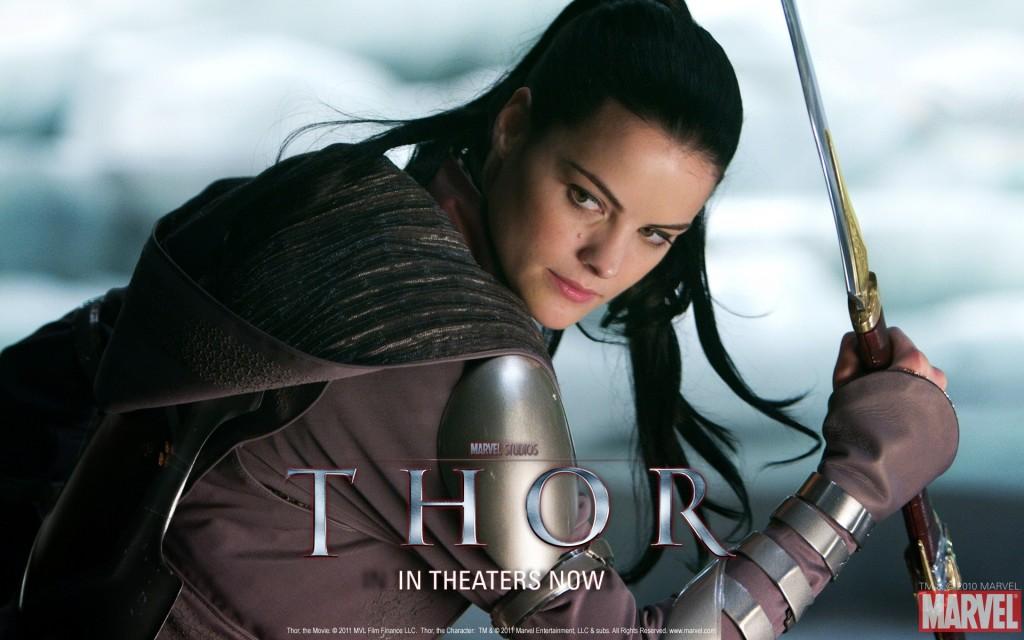 Papel de parede Thor – A Guerreira para download gratuito. Use no computador pc, mac, macbook, celular, smartphone, iPhone, onde quiser!