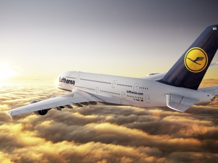 Papel de parede A380 Lufthansa 1 para download gratuito. Use no computador pc, mac, macbook, celular, smartphone, iPhone, onde quiser!