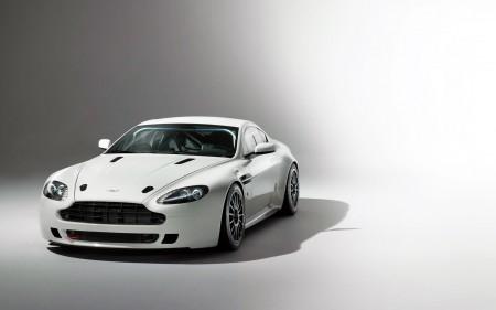 Papel de parede Aston Martin Vantage GT4 para download gratuito. Use no computador pc, mac, macbook, celular, smartphone, iPhone, onde quiser!