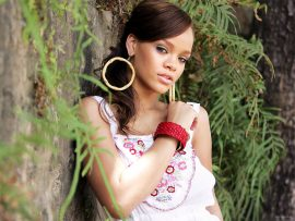 Papel de parede Bela Rihanna