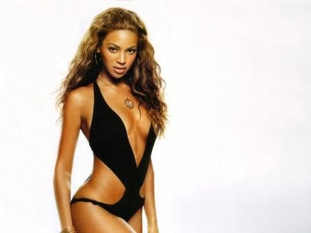 Papel de parede Beyoncé Knowles de Maiô para download gratuito. Use no computador pc, mac, macbook, celular, smartphone, iPhone, onde quiser!