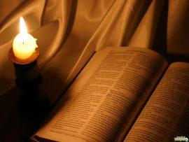 Papel de parede Bíblia e Vela