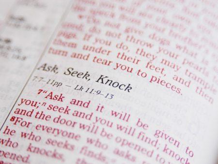 Papel de parede Bíblia para download gratuito. Use no computador pc, mac, macbook, celular, smartphone, iPhone, onde quiser!