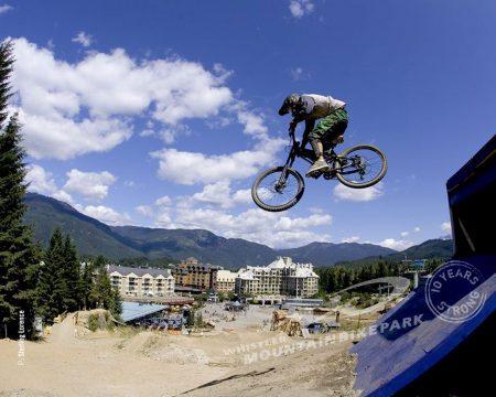 Papel de parede Bicicleta voadora para download gratuito. Use no computador pc, mac, macbook, celular, smartphone, iPhone, onde quiser!