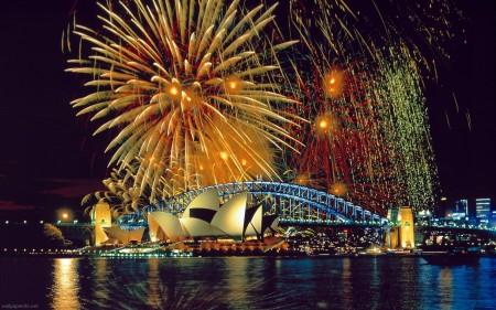 Papel de parede Casa de Ópera de Sydney Debaixo de Fogos para download gratuito. Use no computador pc, mac, macbook, celular, smartphone, iPhone, onde quiser!