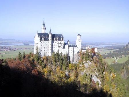 Papel de parede Castelo de Neuschwanstein para download gratuito. Use no computador pc, mac, macbook, celular, smartphone, iPhone, onde quiser!