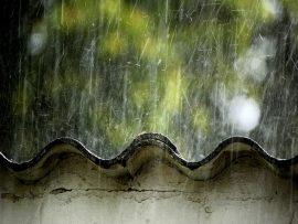 Papel de parede Chuva no Telhado