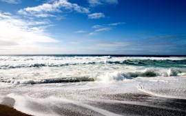 Papel de parede Mar com ondas pequenas