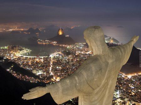 Papel de parede Cristo Redentor – Rio de Janeiro para download gratuito. Use no computador pc, mac, macbook, celular, smartphone, iPhone, onde quiser!