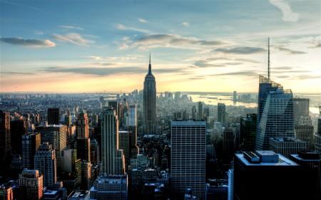 Papel de parede Vista para o Empire State Building para download gratuito. Use no computador pc, mac, macbook, celular, smartphone, iPhone, onde quiser!