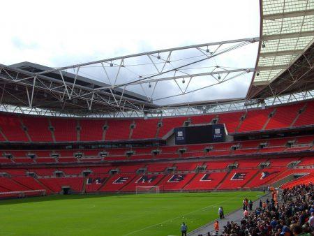 Papel de parede Estádio de Wembley para download gratuito. Use no computador pc, mac, macbook, celular, smartphone, iPhone, onde quiser!