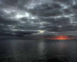 Papel de parede Noite Caindo com Nuvens