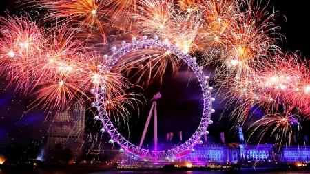 Papel de parede Fogos em Londres para download gratuito. Use no computador pc, mac, macbook, celular, smartphone, iPhone, onde quiser!