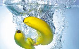 Papel de parede Fruta na água – Banana