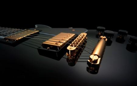 Papel de parede Guitarra Preta e Dourada para download gratuito. Use no computador pc, mac, macbook, celular, smartphone, iPhone, onde quiser!