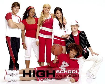 Papel de parede High School Musical #10 para download gratuito. Use no computador pc, mac, macbook, celular, smartphone, iPhone, onde quiser!