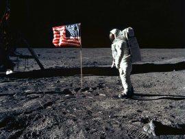 Papel de parede Homem na Lua