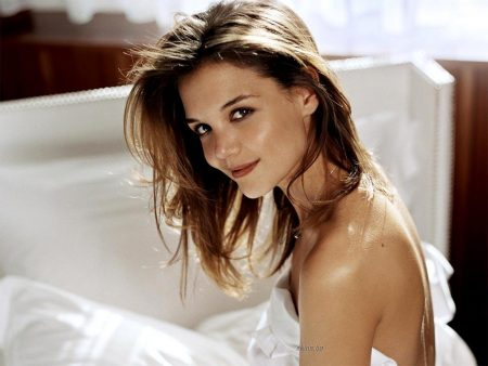 Papel de parede Katie Holmes – Atriz Bonita para download gratuito. Use no computador pc, mac, macbook, celular, smartphone, iPhone, onde quiser!