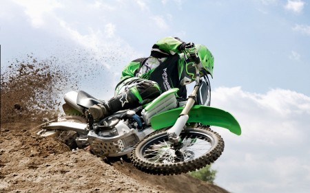 Papel de parede Motocross: Kawasaki Verde para download gratuito. Use no computador pc, mac, macbook, celular, smartphone, iPhone, onde quiser!