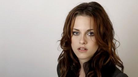 Papel de parede Kristen Stewart para download gratuito. Use no computador pc, mac, macbook, celular, smartphone, iPhone, onde quiser!